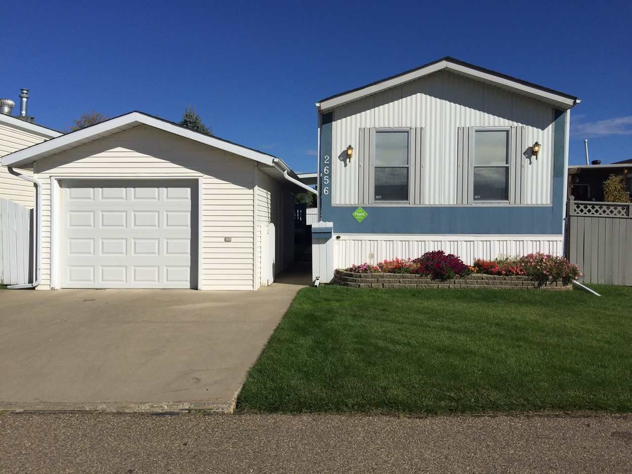 2656 Lakeview Drive Nw, Edmonton, MLS® # E4143604
