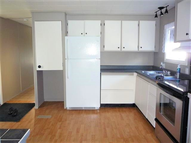 Real Estate Listing MLS E4155181