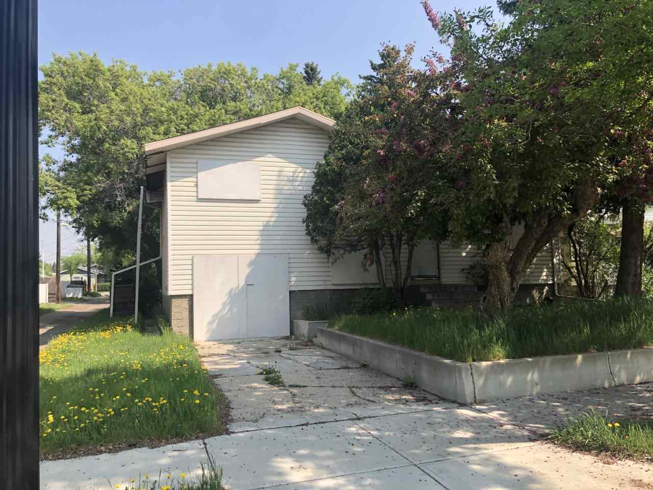 Real Estate Listing MLS E4159441