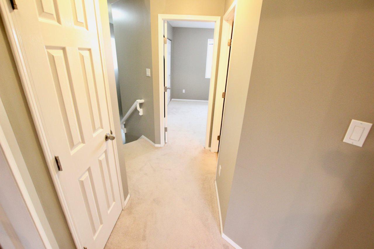 13506 33 Street, Edmonton: MLS® # E4161093: Belmont Real Estate