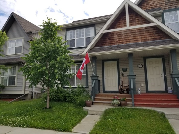 Real Estate Listing MLS E4164009
