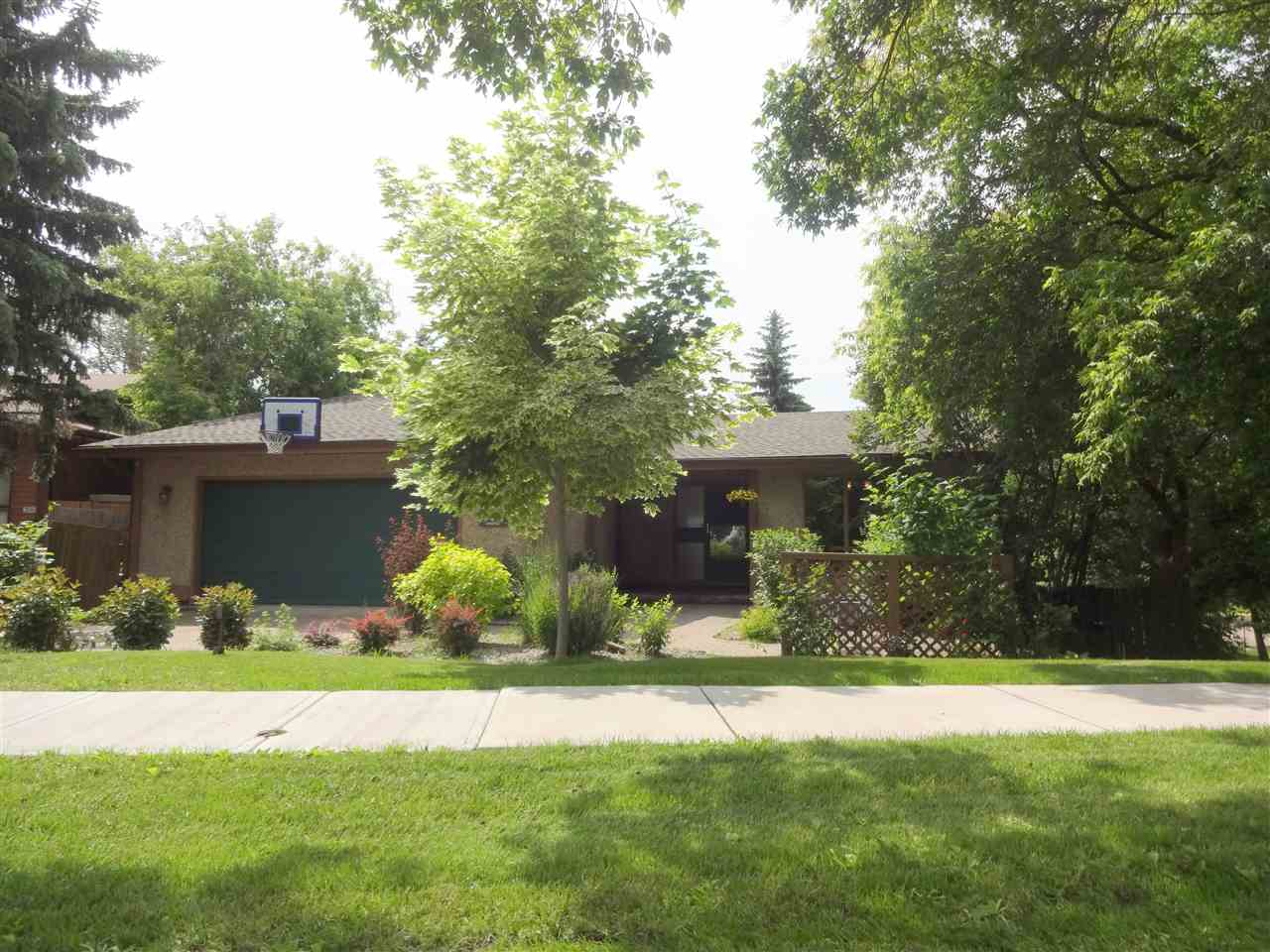 Real Estate Listing MLS E4164328