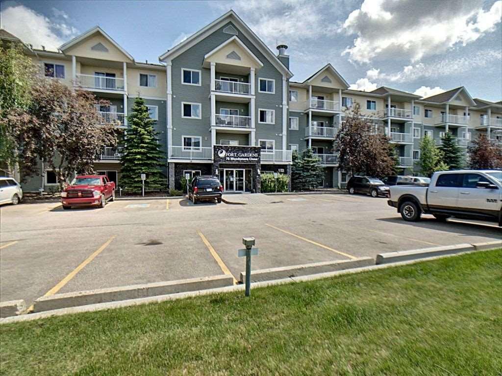 Apartment Style Low Rise Condominium for Sale, MLS® # E4165403