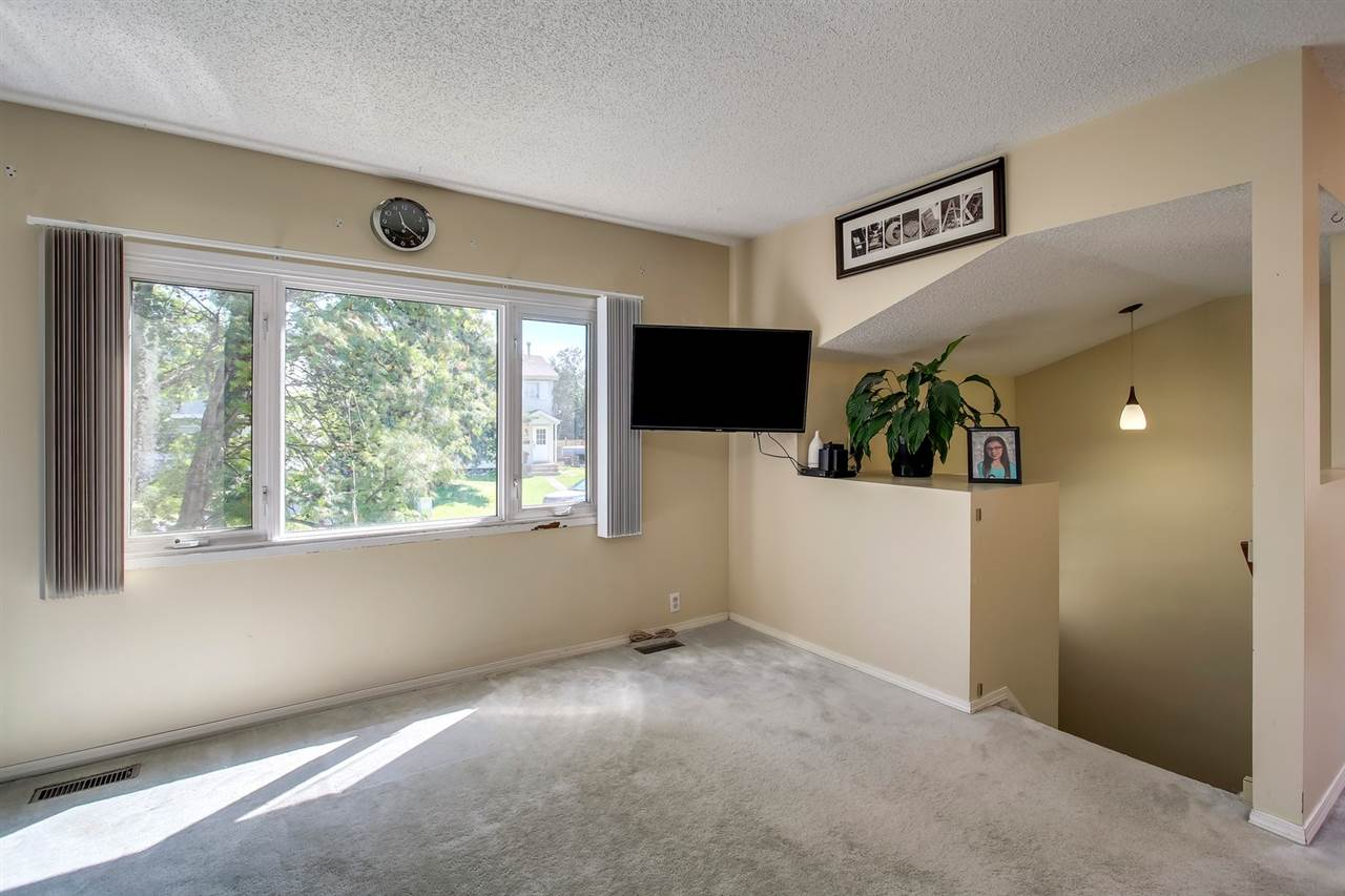Real Estate Listing MLS E4166395