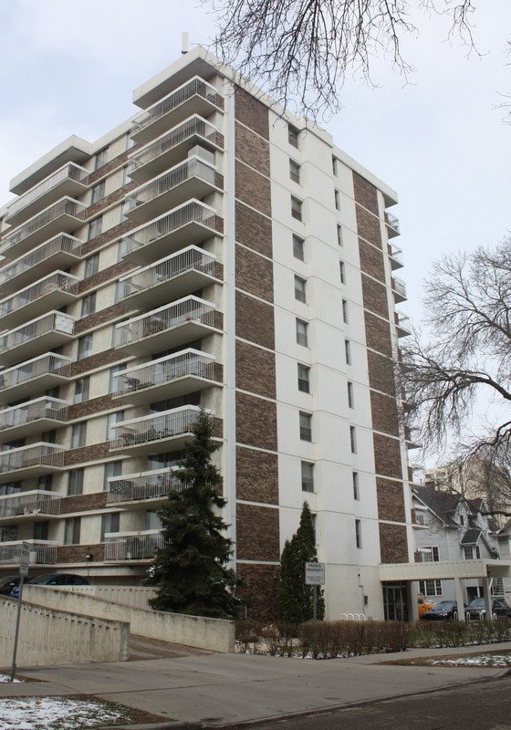 Real Estate Listing MLS E4168590