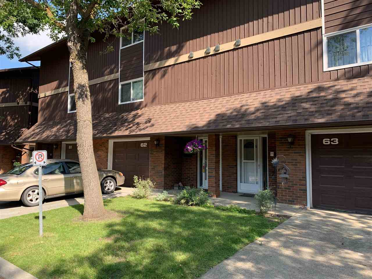4 Level Split Townhouse for Sale, MLS® # E4168843