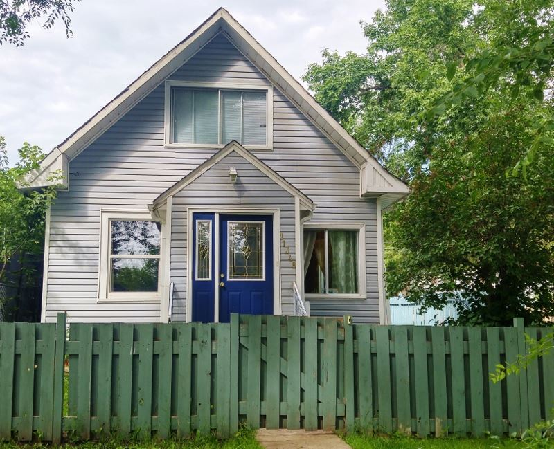 Real Estate Listing MLS E4168914