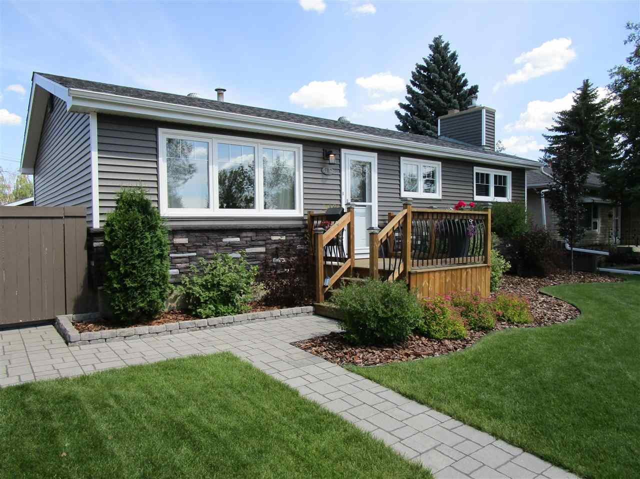 Real Estate Listing MLS E4169299