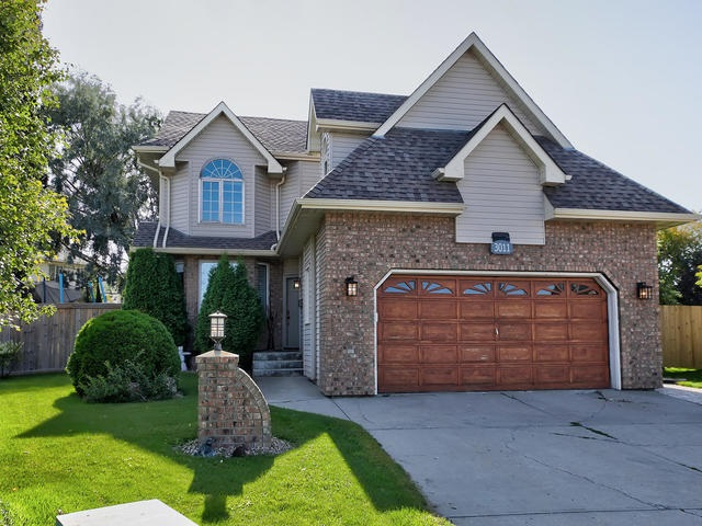 Real Estate Listing MLS E4170829