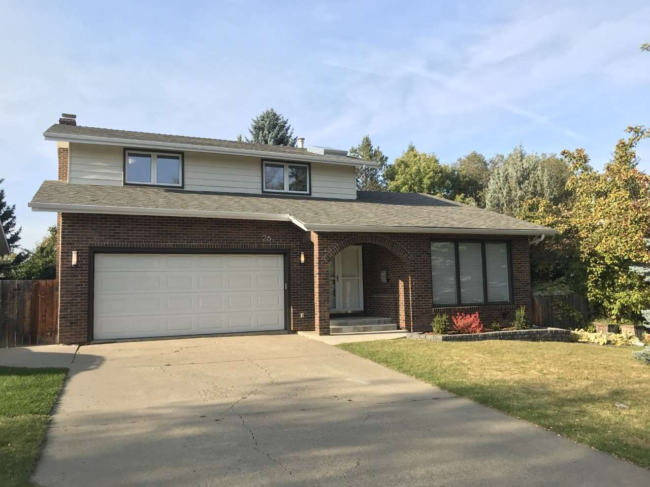 Real Estate Listing MLS E4174126