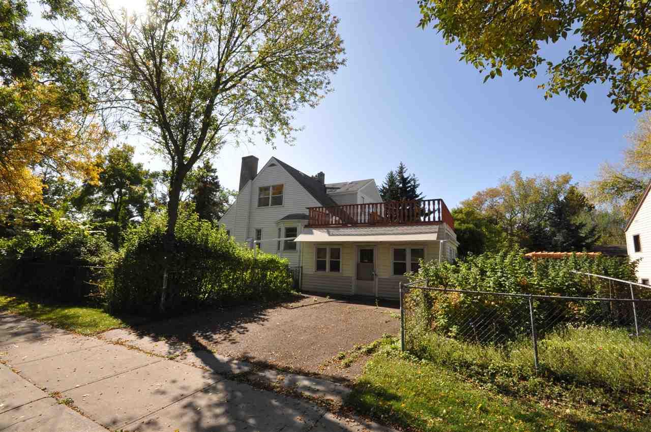 Real Estate Listing MLS E4174313