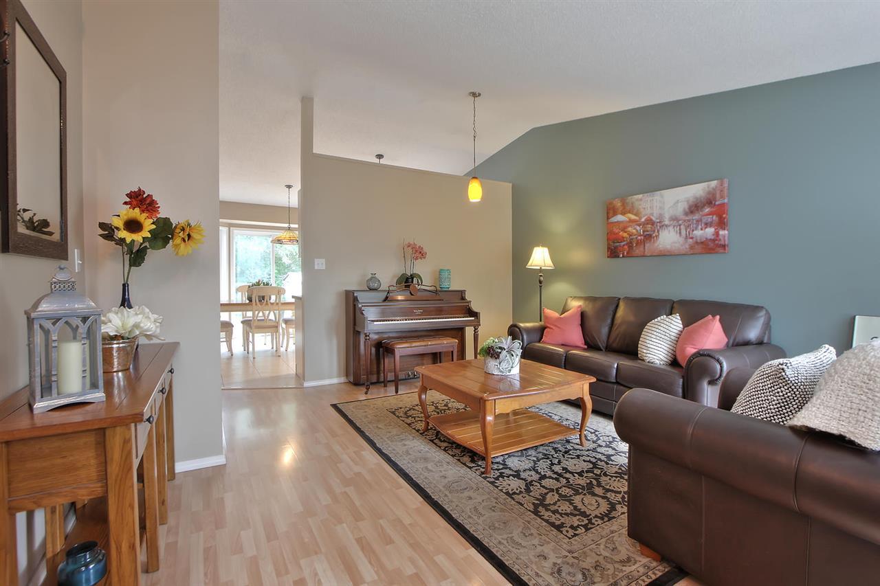 Real Estate Listing MLS E4176838