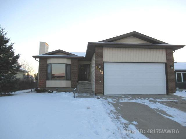 4313 47 Ave, 4 bed, 3 bath, at $309,900