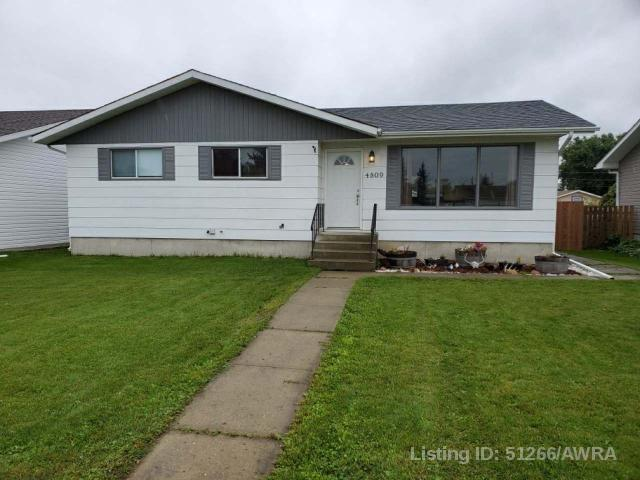 4809 47 Ave, 4 bed, 2 bath, at $189,900