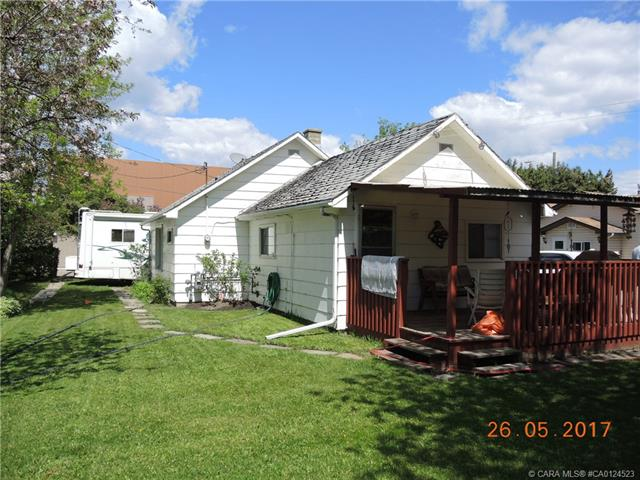 4811 48 Avenue, 2 bed, 1 bath, at $195,000