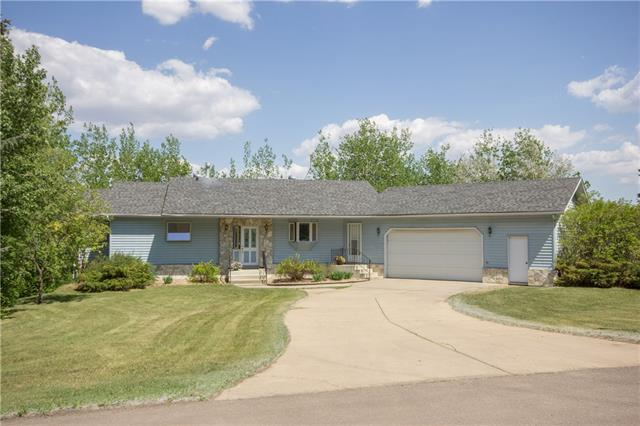 38261 Range Road 261, 3 bed, 3 bath, at $465,000