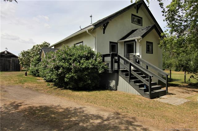 35006 Range Road 265, 2 bed, 1 bath, at $319,900