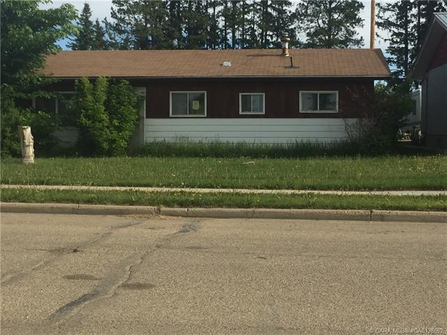 4946 54 Avenue, 3 bed, 1 bath, at $85,000