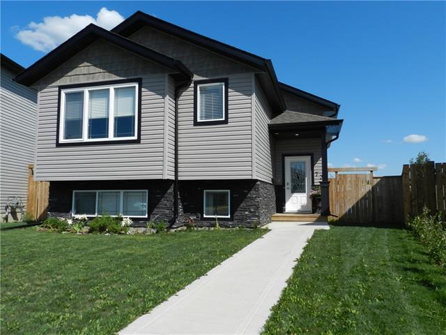 73 Aztec Crescent, 3 bed, 3 bath, at $359,900