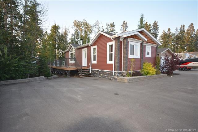 10032 Township Road 422, 2 bed, 2 bath, at $317,000