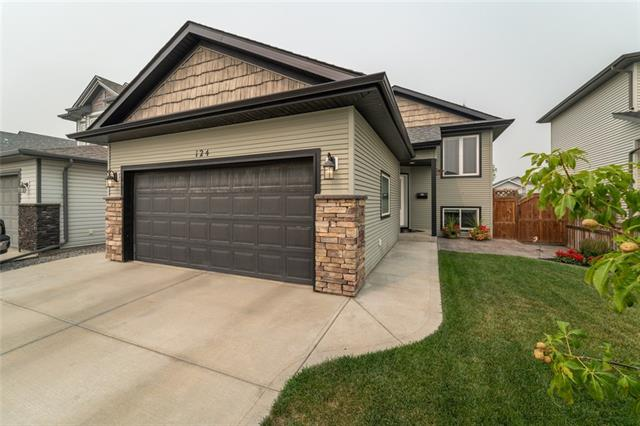 124 Kershaw Close, 3 bed, 2 bath, at $369,900