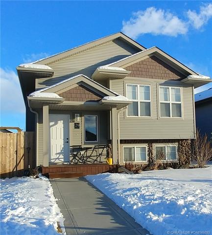 29 Mackenzie Crescent, 2 bed, 2 bath, at $279,900