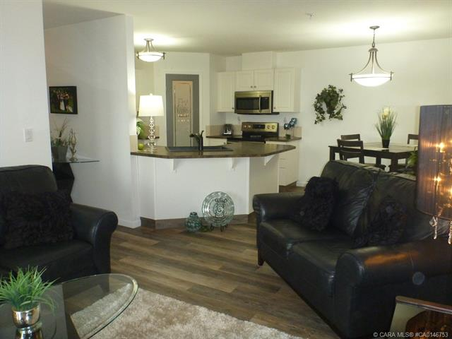 3730 50 Avenue, 2 bed, 1 bath, at $201,800