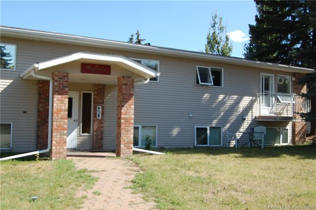 4814 47 Avenue, 2 bed, 1 bath, at $153,000