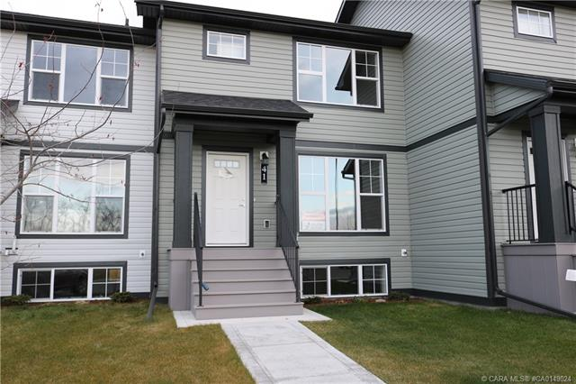 41 Hawthorn Place, 3 bed, 3 bath, at $234,900