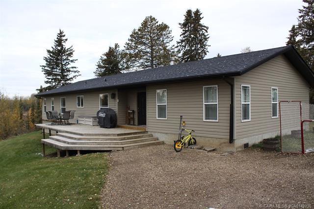 442084 A Range Road 20, 3 bed, 2 bath, at $379,000
