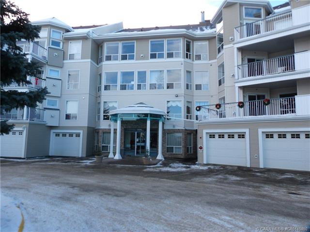 6118 53 Avenue, 2 bed, 2 bath, at $374,900