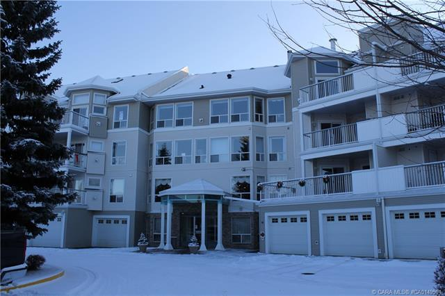 6118 53 Avenue, 2 bed, 2 bath, at $271,900