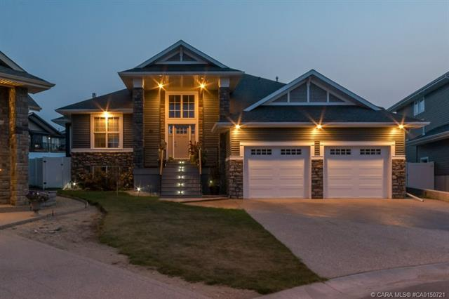 25 Edina Close, 4 bed, 3 bath, at $699,000