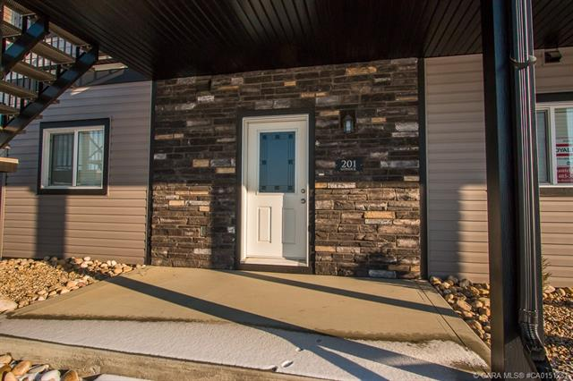 81 Willow Road, 2 bed, 2 bath, at $179,900