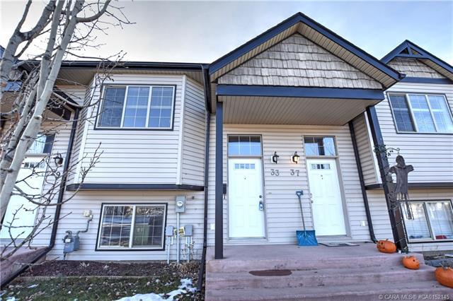 33 Prairie Ridge Close, 2 bed, 2 bath, at $235,000
