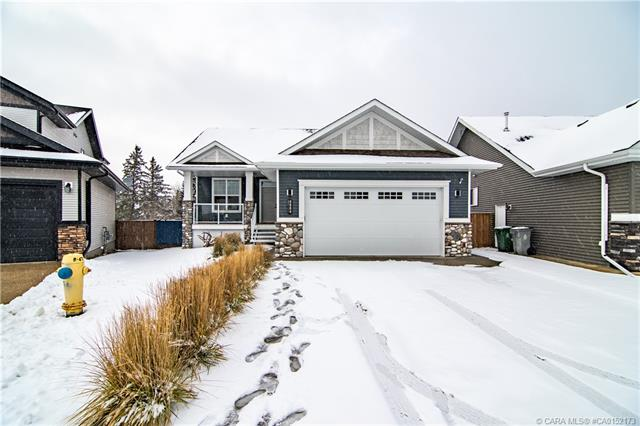 4004 49 Avenue Close, 3 bed, 3 bath, at $449,900