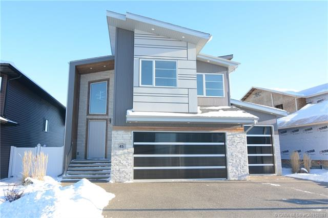 45 Lundberg Crescent, 5 bed, 4 bath, at $774,900