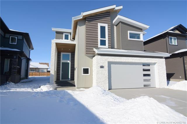 44 Lundberg Crescent, 4 bed, 4 bath, at $744,900