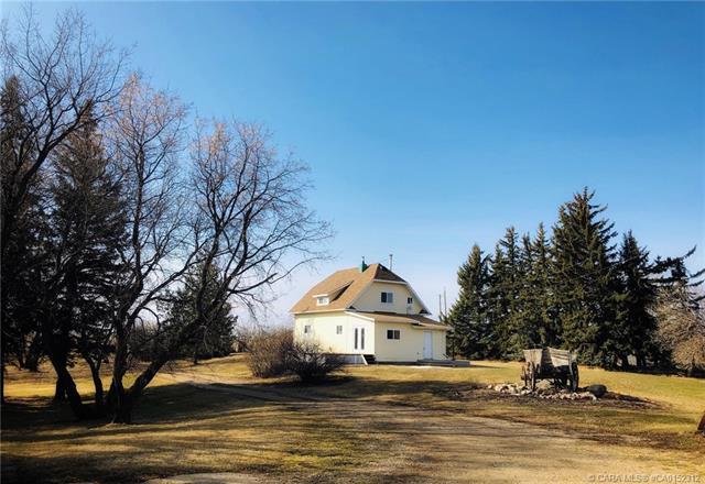 18436 Township Road 40 4, 3 bed, 2 bath, at $235,000