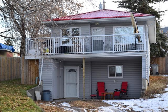 4207 45 Street, 2 bed, 2 bath, at $219,000