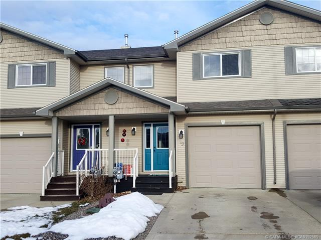 19 Lark Close, 3 bed, 3 bath, at $279,000