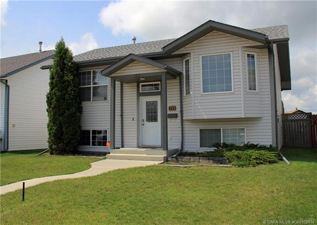 133 Briarwood Crescent, 3 bed, 2 bath, at $264,900