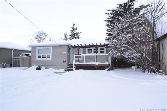 5350 42 Avenue, 3 bed, 2 bath, at $339,900