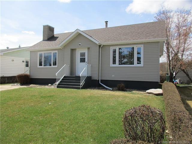 4906 46 Street, 2 bed, 1 bath, at $194,900