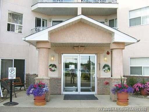 4623 65 Street, 2 bed, 2 bath, at $225,000