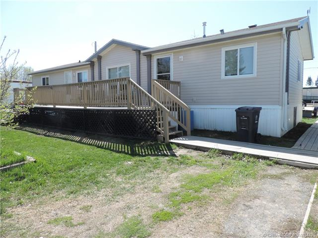 5028 51 Avenue, 3 bed, 2 bath, at $175,000