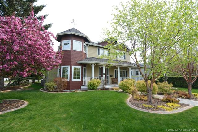 4552 Waskasoo Crescent, 3 bed, 3 bath, at $924,900
