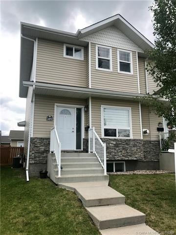 2405 E Valleyview Drive, 2 bed, 3 bath, at $259,000