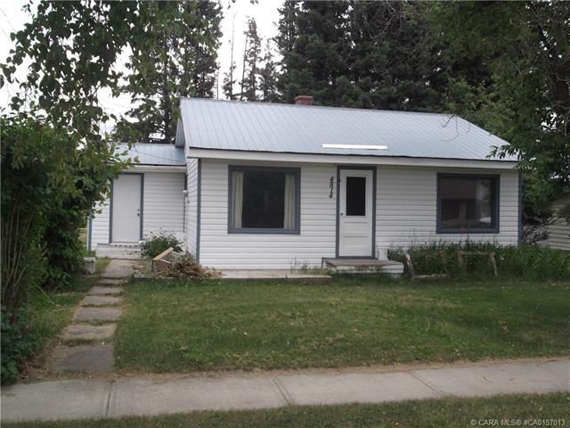 4814 52 Avenue, 2 bed, 1 bath, at $139,000