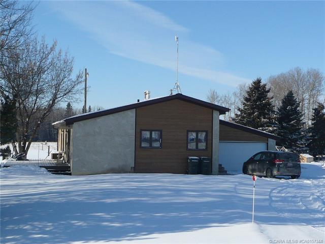 443078 Range Road 274, 3 bed, 2 bath, at $179,000